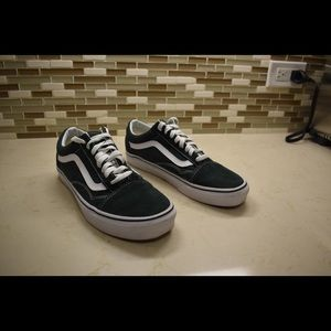Hunter Green Vans Size U.S. Men 7.5 Women 9.0